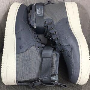 Nike SF AF1 MID dark grey/dark grey-light bone